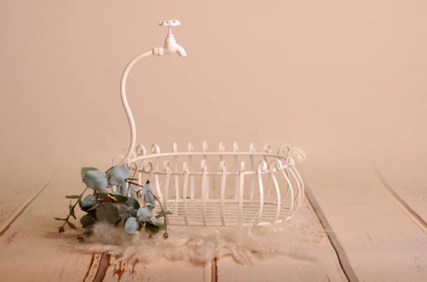 White bathtub Isabel