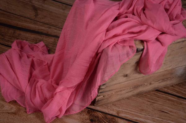 Wrap di mussolina rosa chewing gum