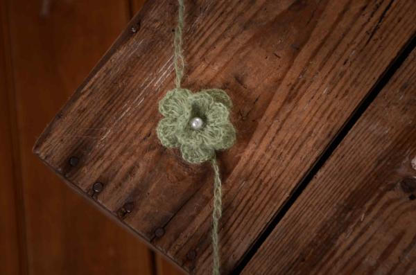 Haarreif aus Angora mit Perle - grün