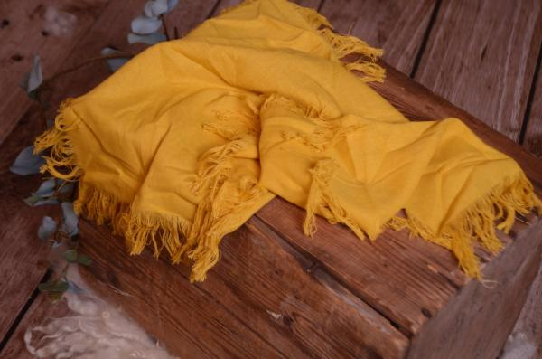 Tissu avec franges jaune moutarde