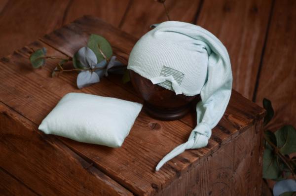 Completo berretto lungo e minicuscino verde acqua