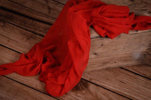 Wrap aus Musselin in Rot