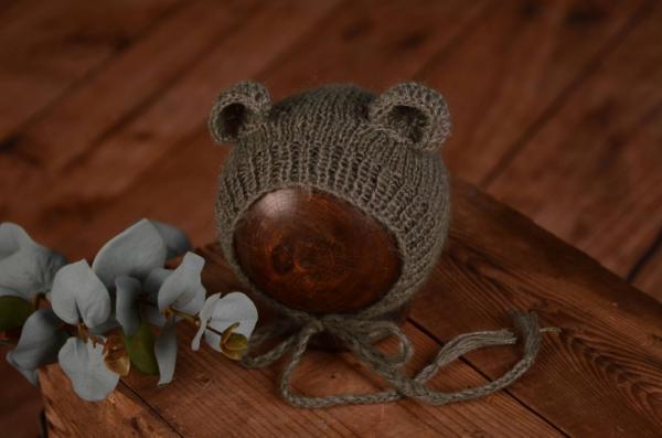 Mütze mit kleinen Ohren in Grau