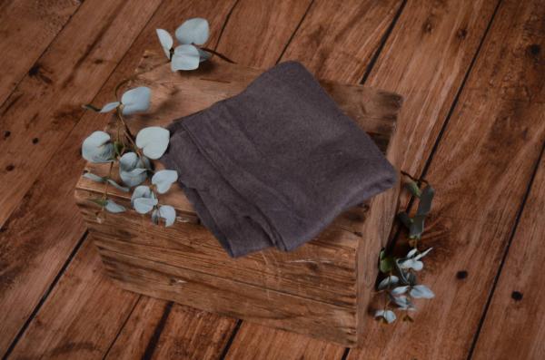 Wrap de lana gris oscuro