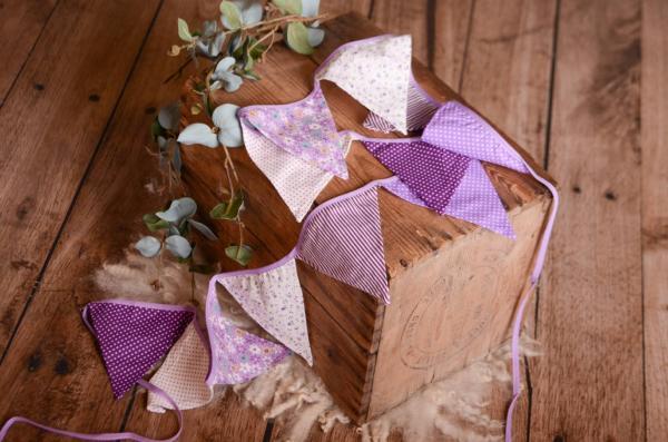 Fanion décoratif violet