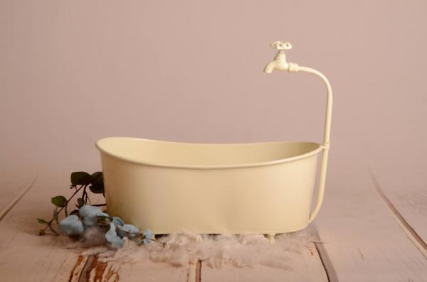 Bathtub Ofelia