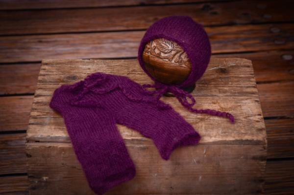 Completo di angora pantalone e berretto aderente viola