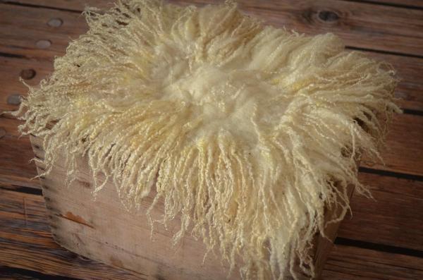 Couverture laine vierge carrée beige