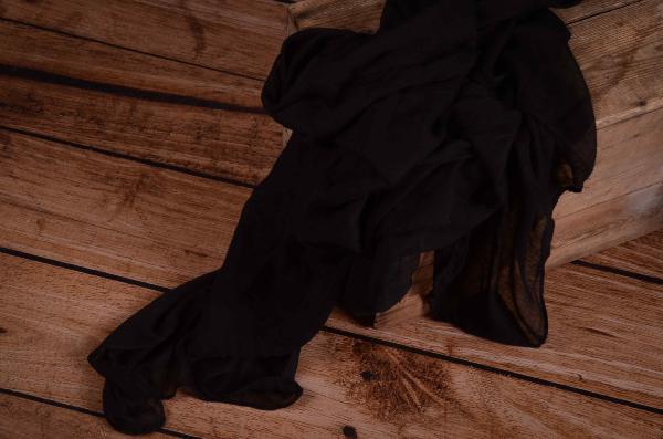 Wrap aus Musselin in Schwarz