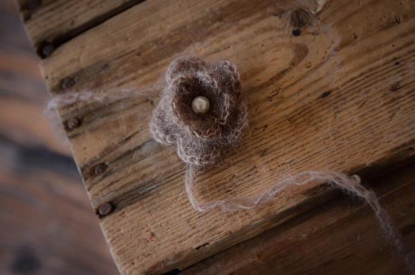 Haarreif aus Angora mit Perle - nerz