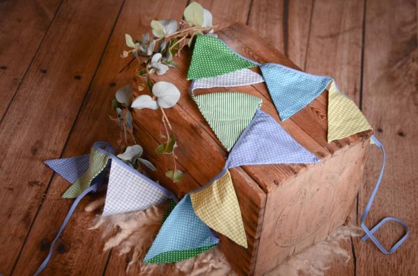 Dekorative Wimpelkette in Grün