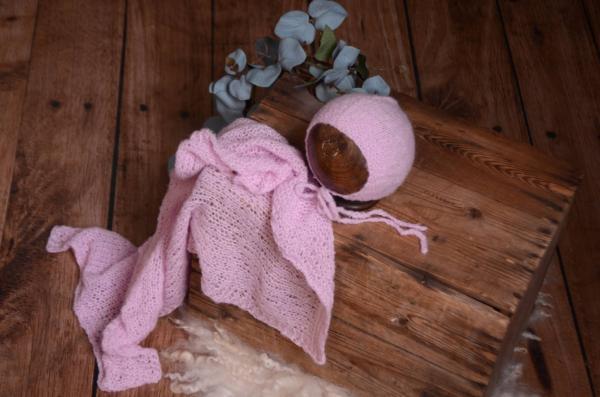 Set Wrap aus glatter Angora mit Mütze in Lila
