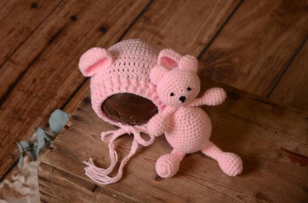 Set de gorrito y peluche de oso rosa bebé