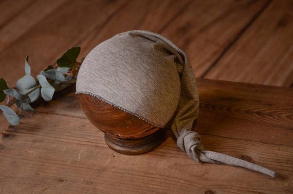 Bonnet maille long avec noeud gris