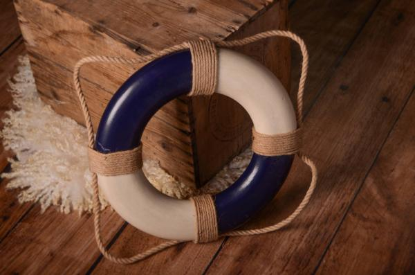 Blue vintage life preserver 30 cm