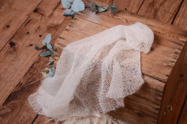 Wrap aus Angora in Weiß