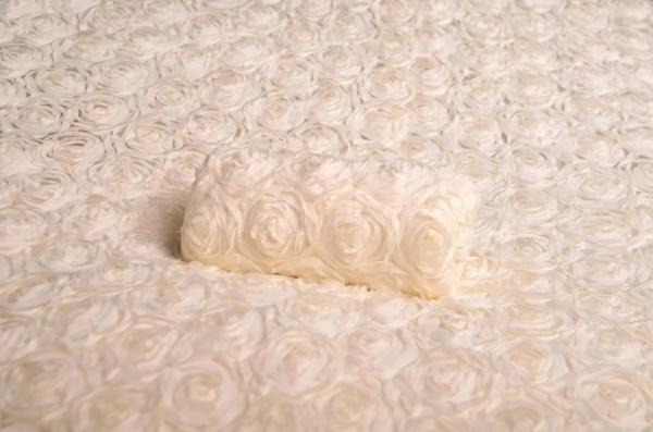 Tela con fiori bianco sporco
